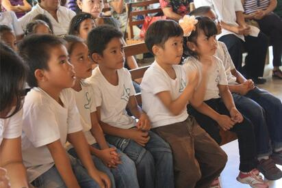 Missionaries_Serve_Deaf_Children_in_Philippenes3