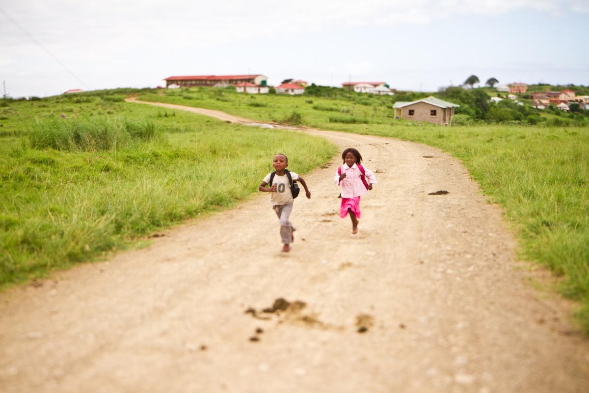 kids running-1